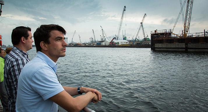 Sterk - Jong NVAF bezoekt Nieuwe Zeesluis IJmuiden