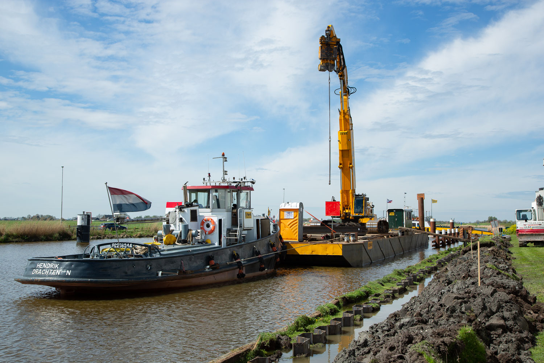 Sterk - vervangen brug Dronryp - Remmingwerk & Damwand