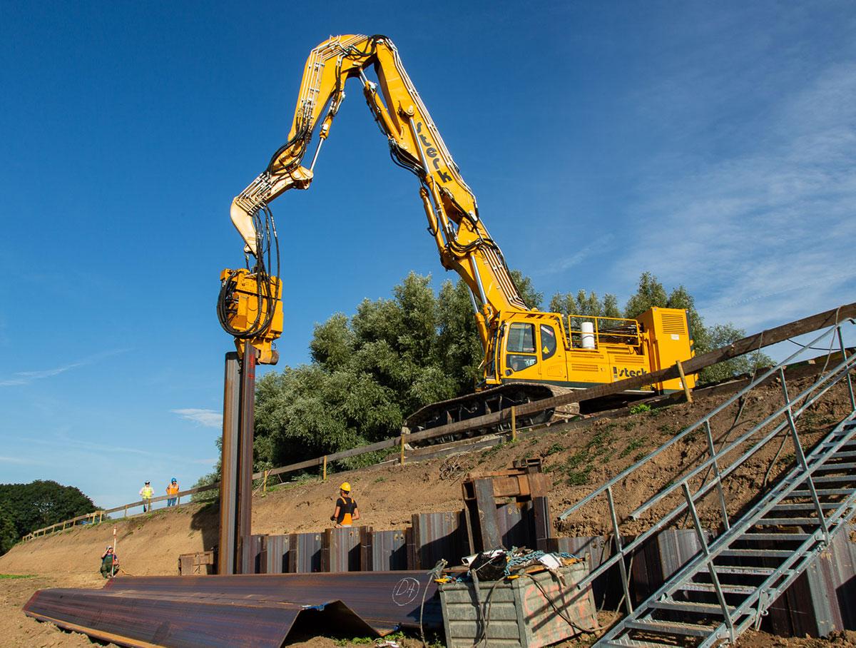 Sterk Dijkversterking Vianen Damwand Verankering Ankers Hoogwaterbeschermingsprogramma HWBP 3